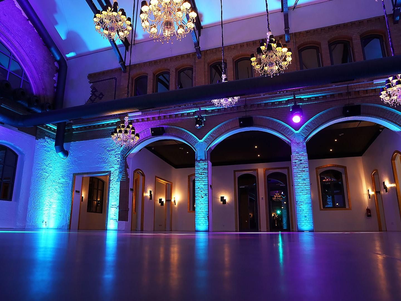 wartehalle_indoor_abend_04_1280x960px